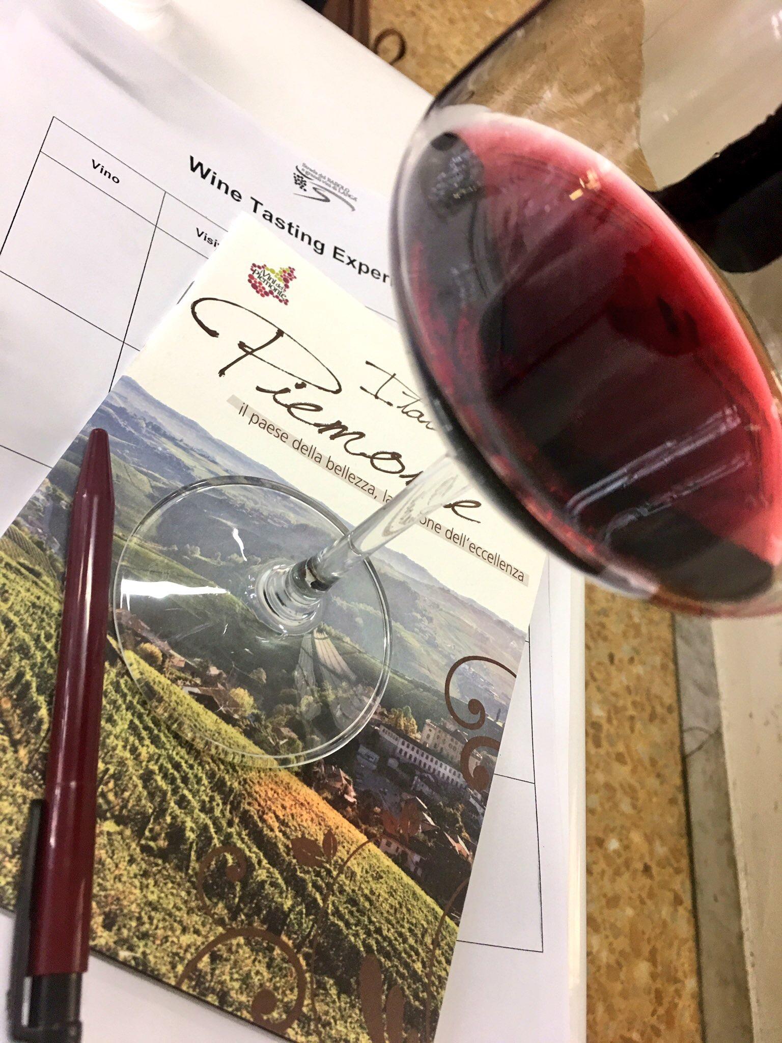 wine tasting vini piemontesi